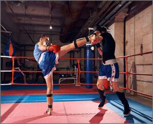 キックボクシングのスパーリング風景