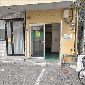 ハコジム福岡博多南店のビル入口